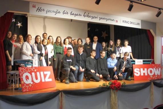 Lise öğrencileri Quiz Show'da ter döktü